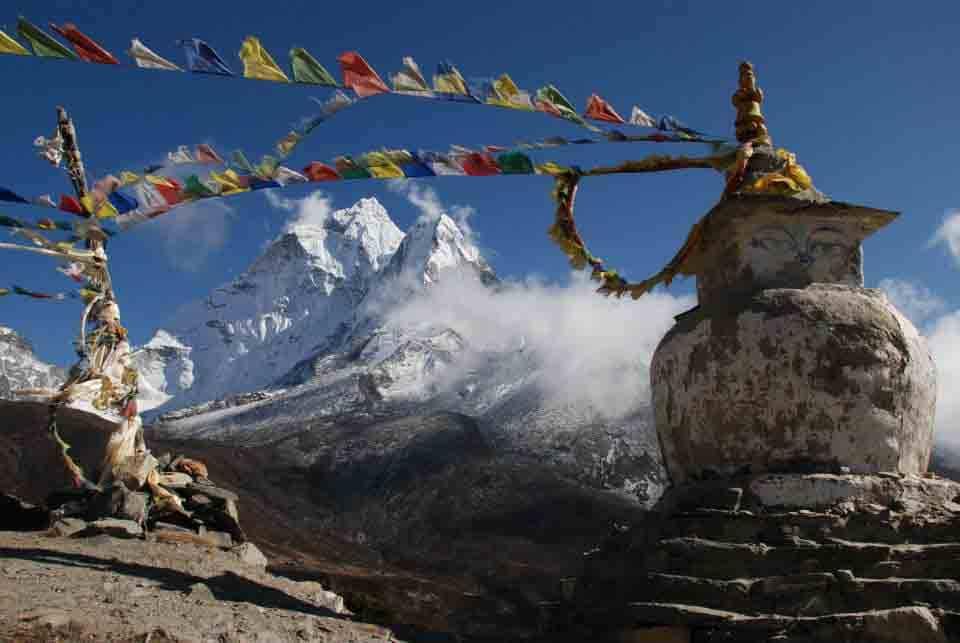 Everest base camp Monument