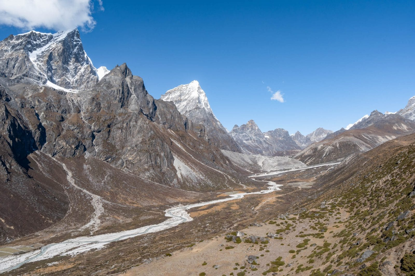 Views of Everest base camp trek