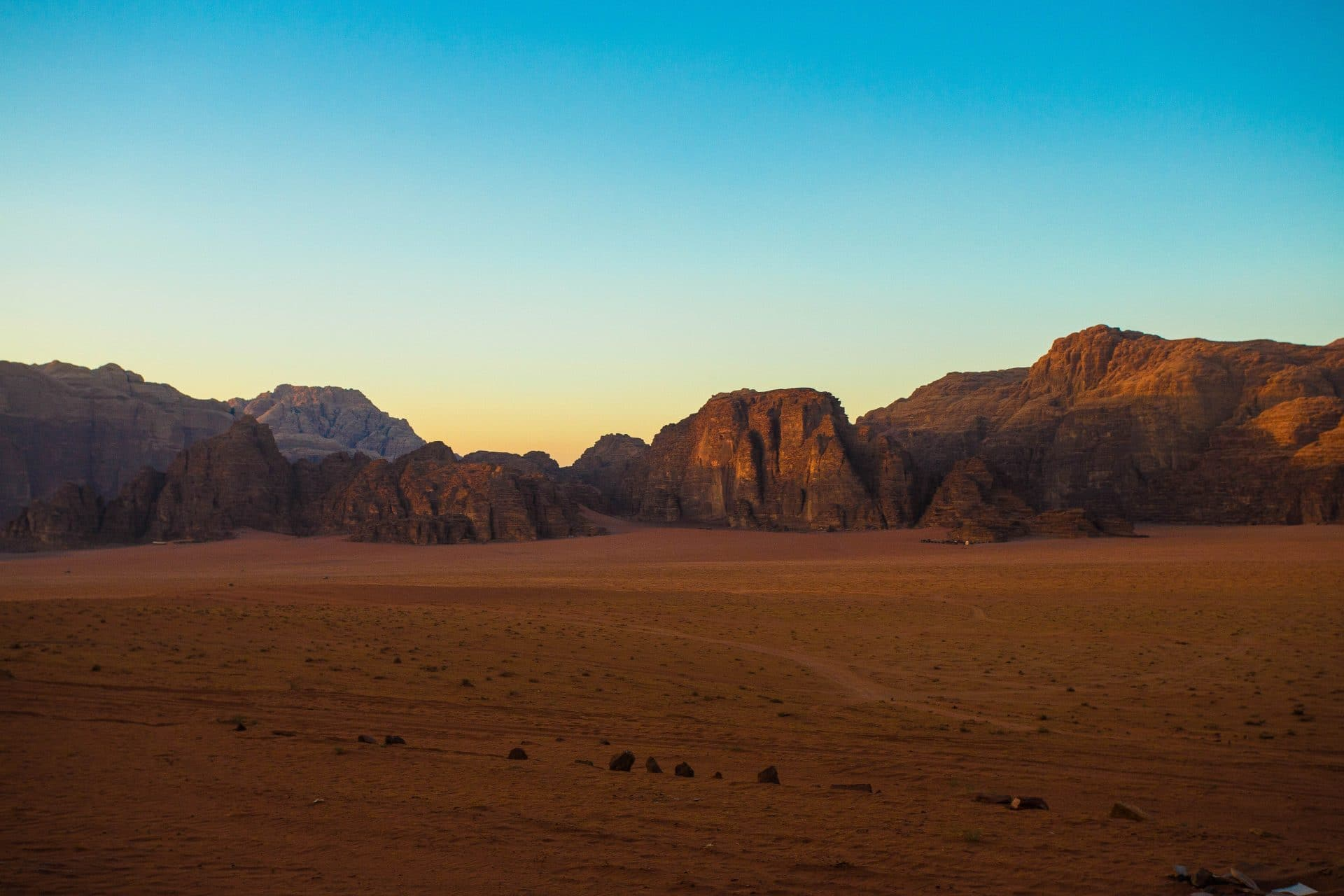 Jeep tour of Wadi Rum Jordan